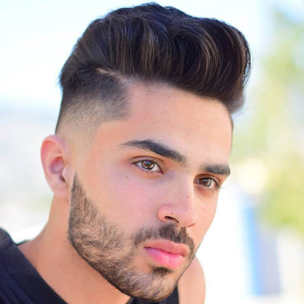 تسريحة شعر High Fade with Pompadour